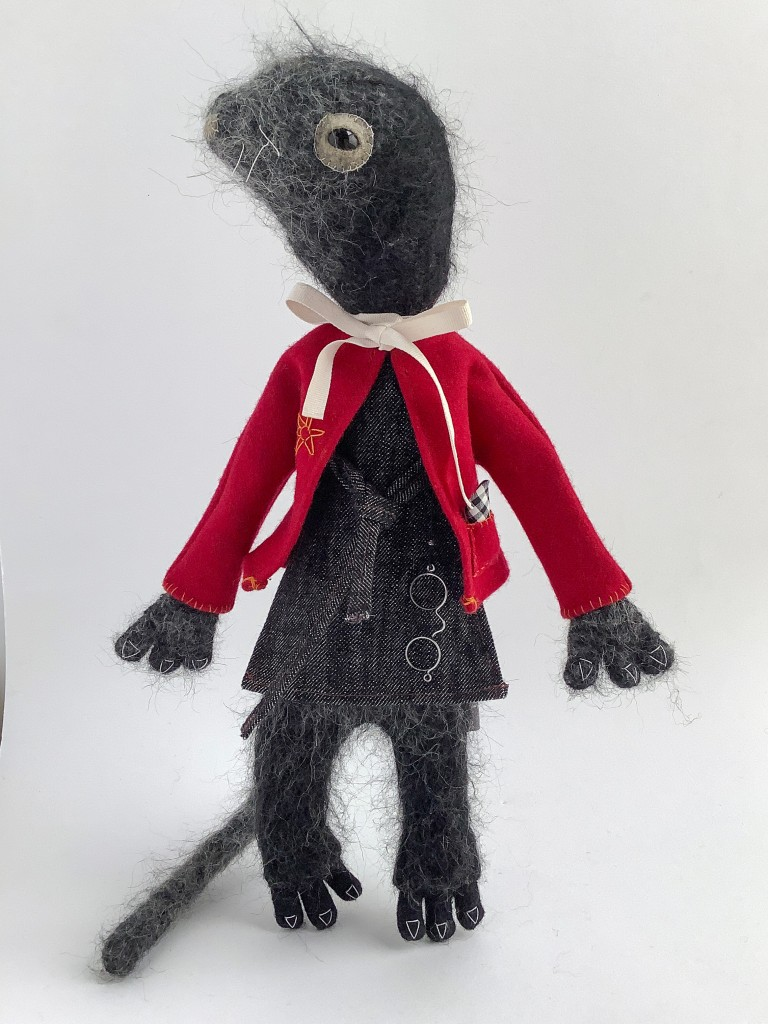 Moleshe, Wind in the Willows - plush sculptures by minu